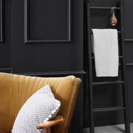 Saarpor-Decosa-Decorative-Strip-Moulding-Room-Shot.jpg